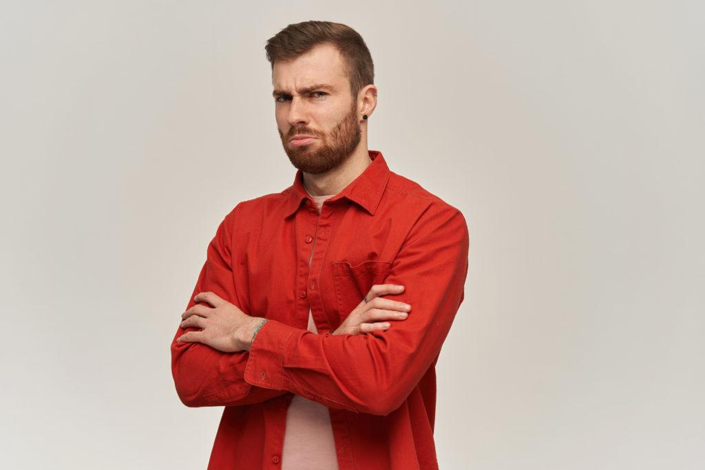 мужчина жалеет о расставании
